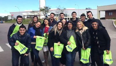 Estudantes de Administração do IPA visitam a empresa Tramontina