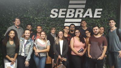 Estudantes de Administração participam de visita técnica ao Sebrae
