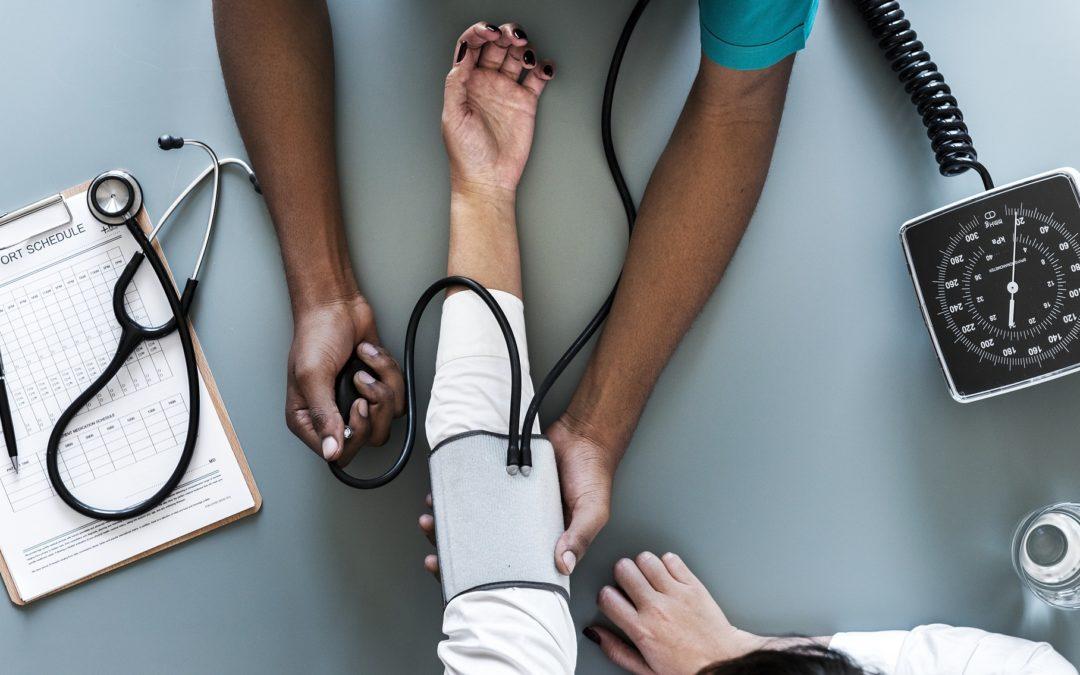 5 opções de cursos para quem gosta da área de saúde