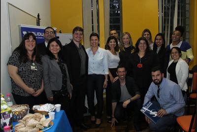 Ex-alunos de Ciências Contábeis falam sobre evento Café com Egressos