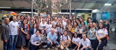 Colaboradores e docentes participam de sessões de autógrafos do IPA na 65ª Feira do Livro